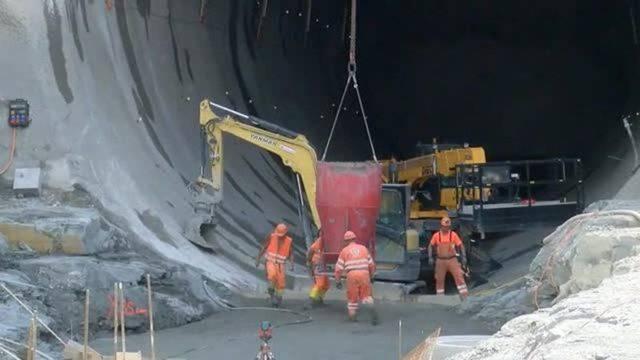 Wöschnau, 16.8.2016: Bauarbeiten am Eppenbergtunnel laufen auf Hochtouren