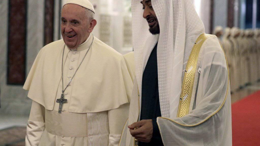 Historische Reise in die Emirate: Papst prangert Jemen-Krise an
