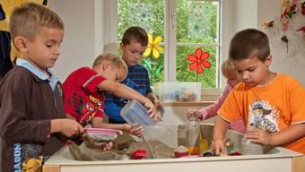 Erfolgsmodell Kooperativer Kindergarten: Seit zehn Jahren wird ein solcher in Gontenschwil (Foto) sowie in Holziken geführt. (Archiv)