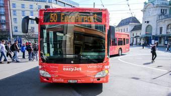 Ironischerweise war der Bus in den Easyjet-Farben bemalen.