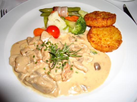 Vorzügliches Essen im Belvédère. Alle Gäste willkommen.