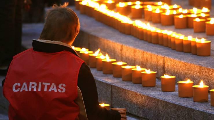 Die Zürcher Caritas fordert vom Regierungsrat eine Strategie zur Bekämpfung der Armut.
