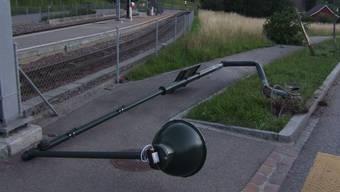 Oberdorf: Diese Strassenlampe hats nicht überlebt