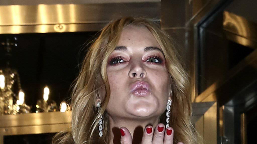 Skandalnudel Lindsay Lohan ist scheint's wieder verliebt: Sie soll ihren Manager daten. (Archivbild)