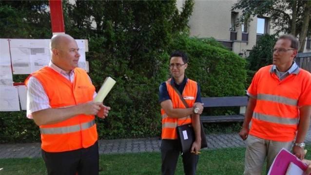 Experten vom Aargauer Departement Bau Verkehr und Umwelt (von links) Leiter Kommunikation Benno Schmid Projektleiter Brückenbau Roberto Scappaticci und Projektleiter Strassenbau Alex Joss.