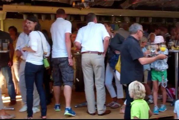 Der Böllerschuss ist ab, das Stadtfest Baden ist eröffnet