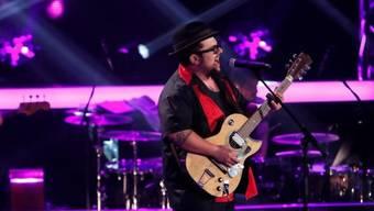 """Der Brienzer Blueser Marc Amacher steht normalerweise im Duo """"Chubby Buddy"""" auf der Bühne: Die Jury von """"The Voice of Germany"""" will er jedoch im Alleingang überzeugen. (ProSieben SAT.1)"""