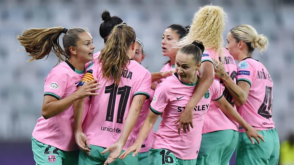 Gross der Jubel bei den Frauen des FC Barcelona nach der Final-Gala und dem erstmaligen Gewinn des Champions-League-Titels