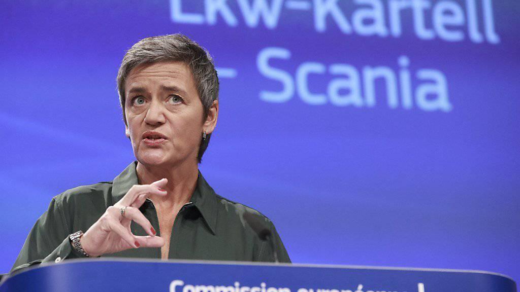 """EU-Wettbewerbskommissarin Margrethe Vestager zum LKW-Kartell: """"Anstatt ihre Preise untereinander abzustimmen, hätten die Hersteller miteinander konkurrieren sollen – auch im Hinblick auf Verbesserungen zum Umweltschutz."""""""