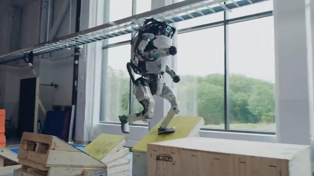 Dieser Roboter verblüfft im Hindernisparcours