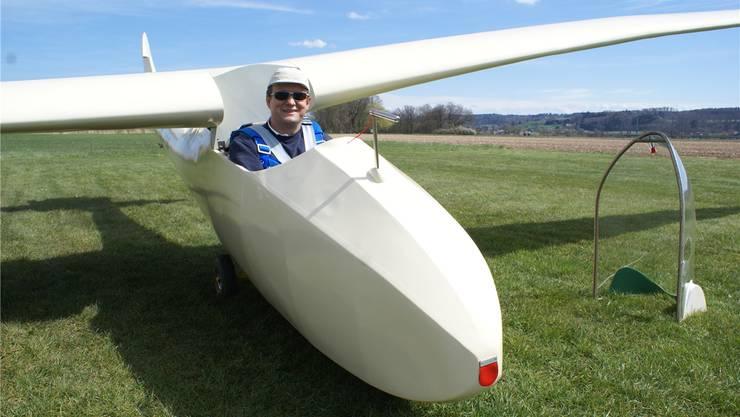 Nach 40 Jahren wieder in der Luft: Thomas Fessler startet in Grenchen mit der Spyr IV HB-336.
