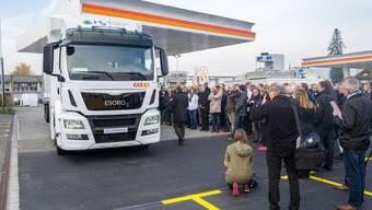 Unikum in der Schweiz: 2016 eröffnete Coop stolz die erste öffentliche Wasserstoff-Tankstelle der Schweiz. Mario Heller