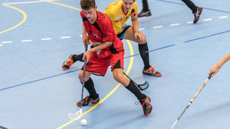 Zweifacher Torschütze: Joël Heller (am Ball) trifft gegen Floorball Albis doppelt.