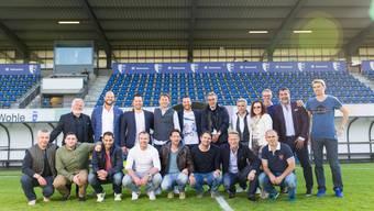 Das Gruppenfoto des Heldenteams 2002 beim letzten Heimspiel des FC Wohlen