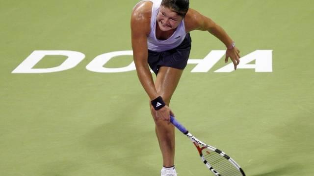Dinara Safina von Rückenschmerzen geplagt