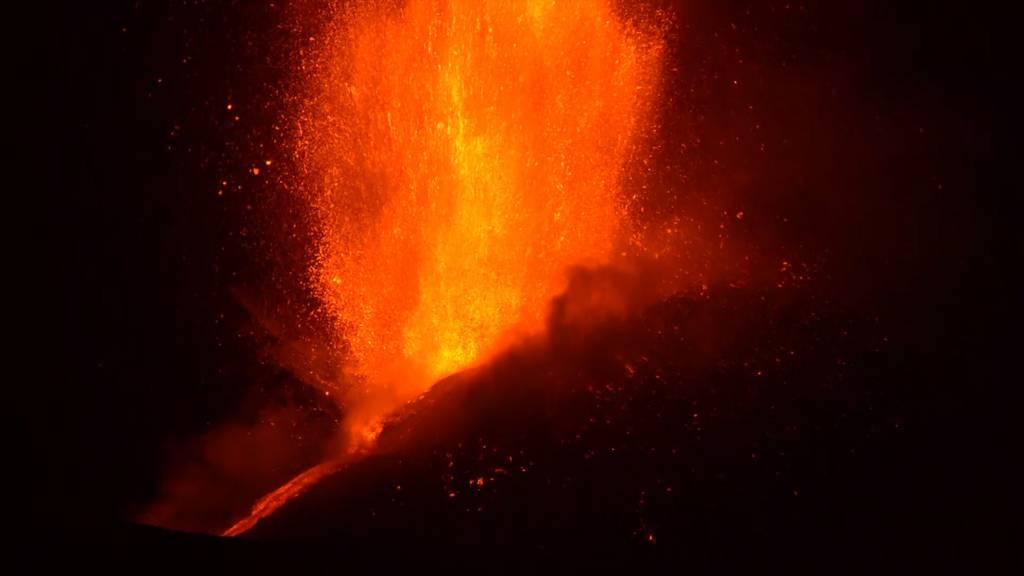 Feuriges Spektakel: Der Ätna spuckt wieder Lava