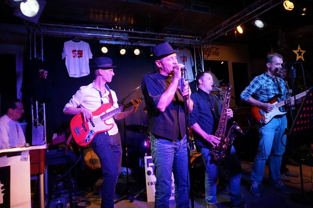 Die 59 Container Blues Band rockte das Bar Rock-Lokal
