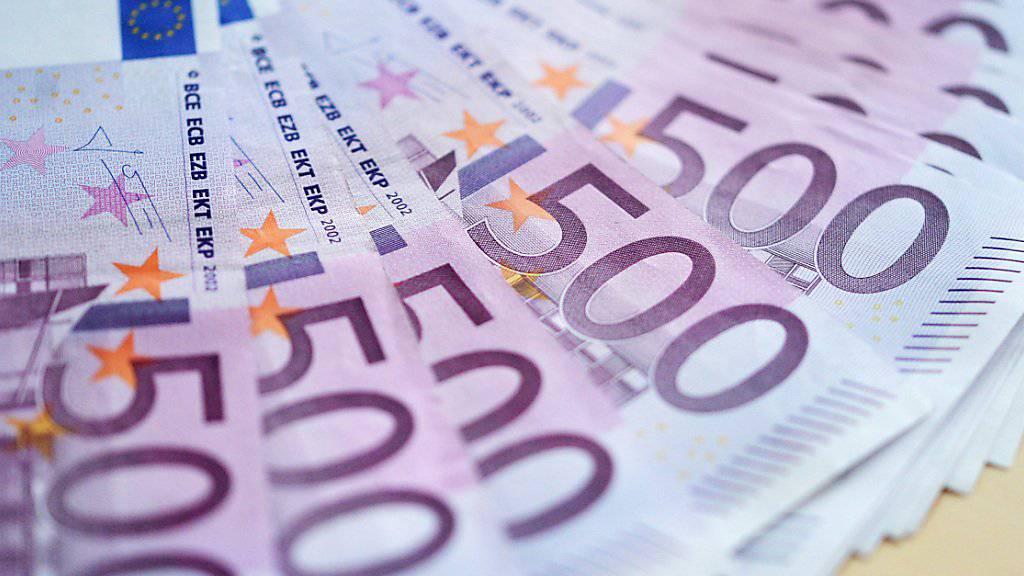 Drauflegen statt kassieren: Die EZB-Politik ist für Banken teuer. (Symbol)
