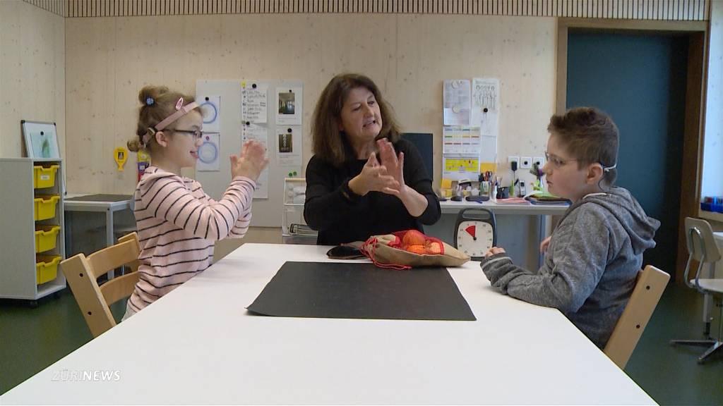 Tag der Taubblindenpädagogik: Zu Besuch bei Romina und Philipp
