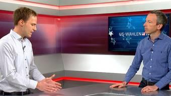 """CH-Media-Auslandchef Samuel Schumacher (links) und Patrik Müller, Chefredaktor der CH-Media-Zentralredaktion, im """"US Wahltalk""""."""