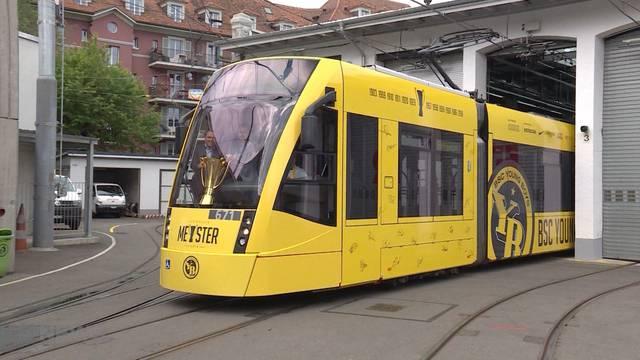 Das YB-Meistertram rollt jetzt in Bern
