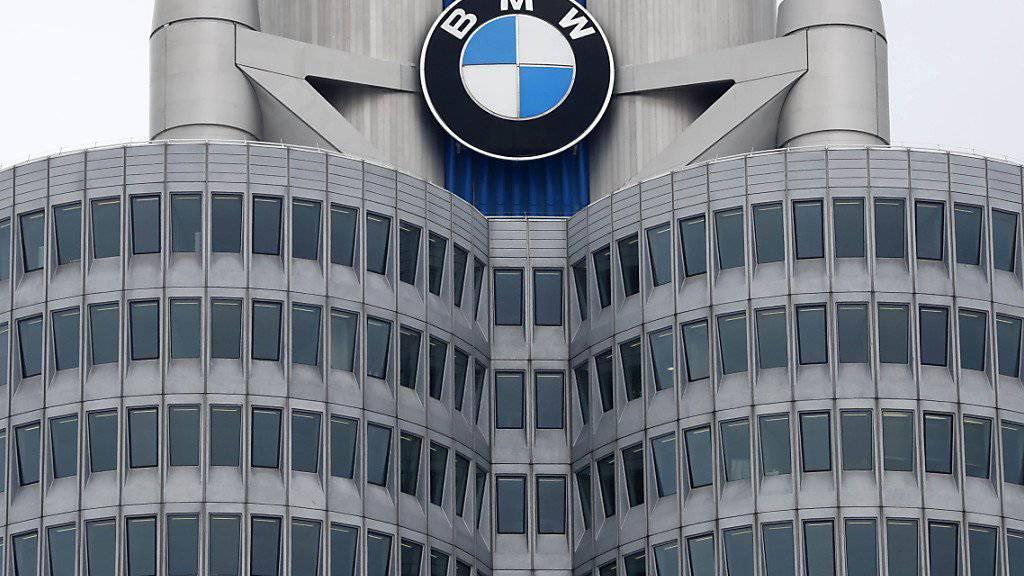 Der Autokonzern BMW muss weltweit 1,6 Millionen Diesel-Fahrzeuge zurückrufen. (Archivbild)