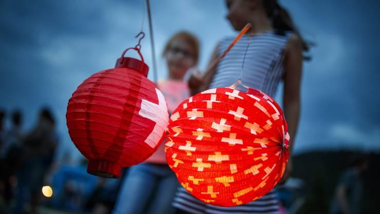 Dieses Jahr werden wohl mehr Schweizer am Bundesfeiertag zuhause sein. (Archiv)
