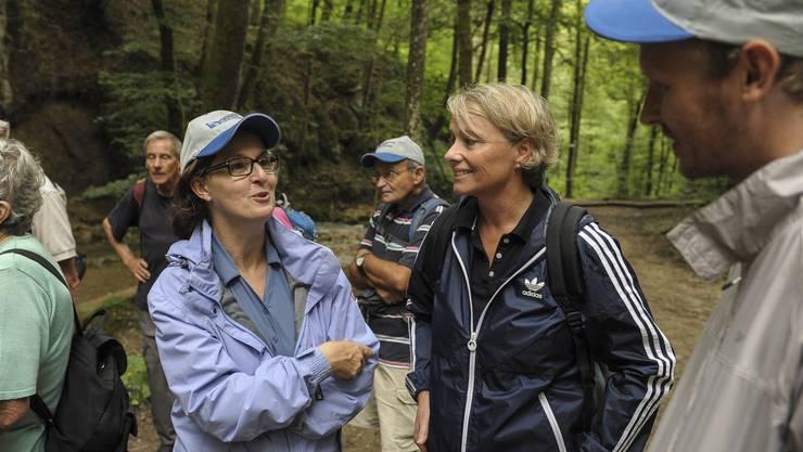 Landrätin Brigitte Bos und Baselbieter Nationalrätin Elisabeth Schneider-Schneiter mit bz-Redaktor Leif Simonson (v.l.n.r.).