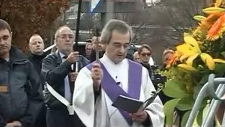 An Alfredos Begräbnis gings ungewöhnlich lustig her und zu