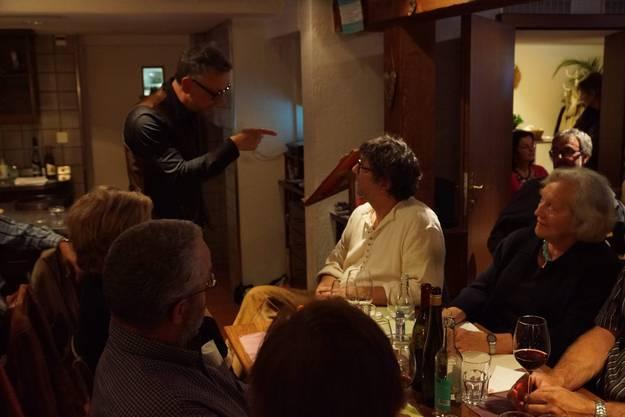 Jürg Steigmeier erzählte anlässlich der Stubete in Bad Zurzach alte rätoromanische Märchen und Sagen