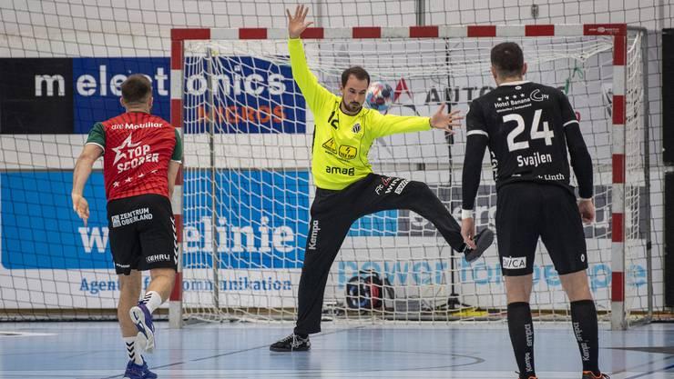 Simon Schelling in seinem Element beim Play-off-Halbfinal gegen Thun.