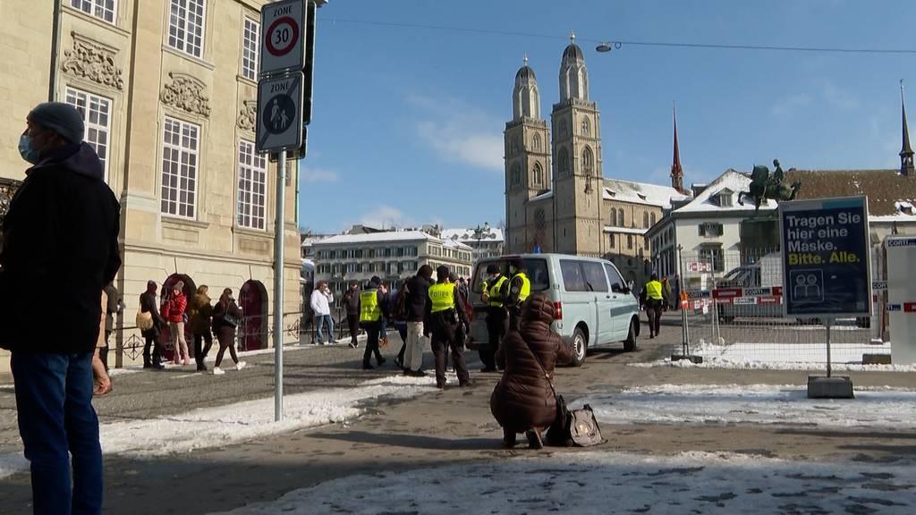 Protestmarsch gegen Corona-Massnahmen in der Stadt Zürich
