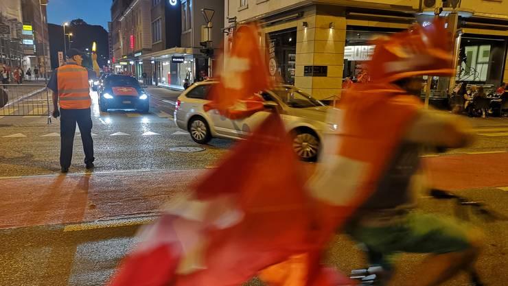 Jubel-Korso in Aarau: In der Innenstadt kam der Verkehr kurzzeitig zum Erliegen.