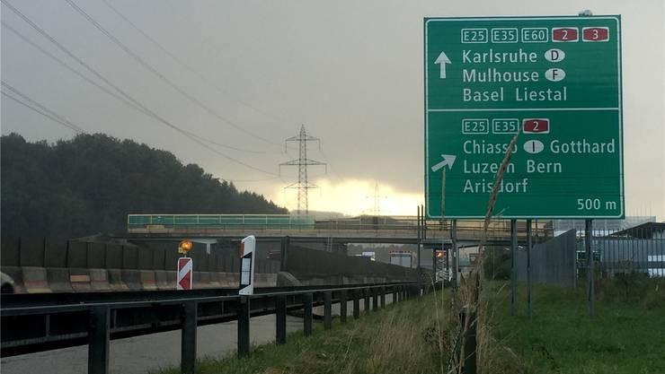 In einer Woche werden die Teilelemente der Wurmiswegbrücke herausgehoben. nbo