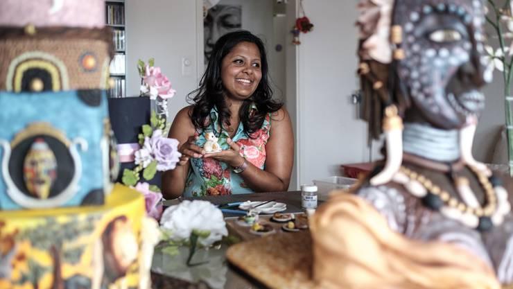 Die Tortenlady aus Lenzburg: Ihre Kunst ist essbar – und erfolgreich: Das Handwerk hat sich Renu Wanshika Liyanage selbst beigebracht.