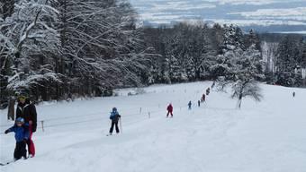 Am Wochenende vom 8./9. Dezember sowie am vergangenen Mittwoch wurde der Skilift rege genutzt. ak