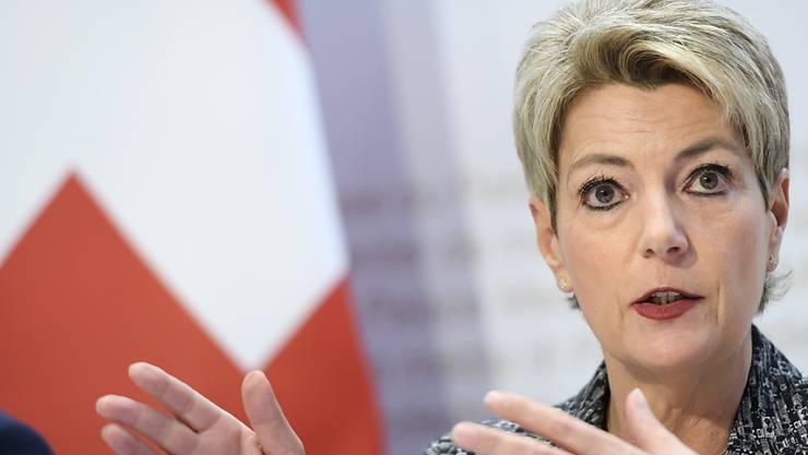"""""""Waghalsige Wette"""": Zuwanderungsministerin Karin Keller-Sutter wirbt für ein Nein zur Begrenzungsinitiative der SVP."""