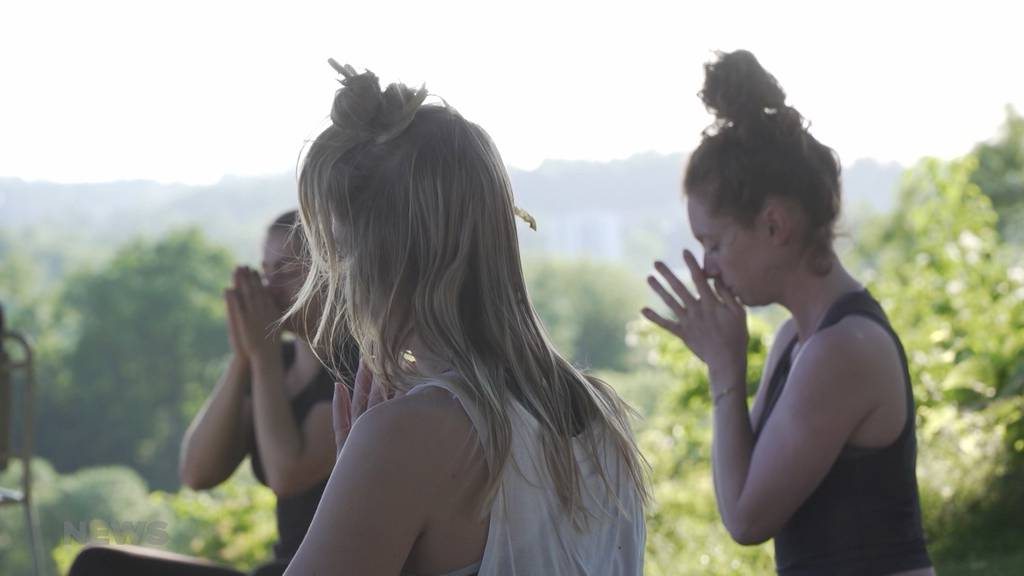 Entspannung pur: Yoga im Grünen