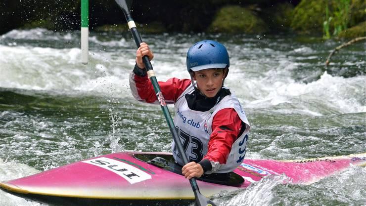 Robin Häfeli (Solothurn) hat gleich drei Schweizer-Meister-Titel im Kajak geholt: Schüler Abfahrt Sprint, Slalom, Jugend Abfahrt klassische Distanz.