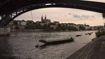 Die Asche Verstorbener darf künftig ohne Bewilligung im Rhein verstreut werden.