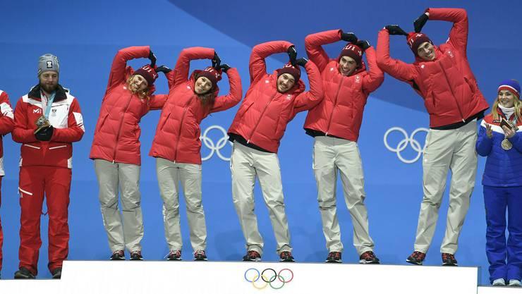 An den Olympischen Winterspielen in Pyeongchang hatte das Schweizer Team im Teamwettkampf allen Grund zur Freude, es holte Gold.