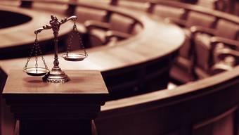 Justiz, das bedeutet für alle Beteiligten immer wieder eines: Warten.