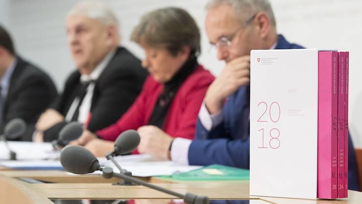 Der Voranschlag 2018 wird in der Wintersession auf jeden Fall Anlass zur Debatte geben. Gespart werden soll bei der Entwicklungshilfe, beim Asylwesen und beim Bundespersonal.