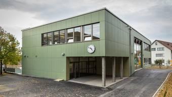 Das Schulhaus in Niederlenz.