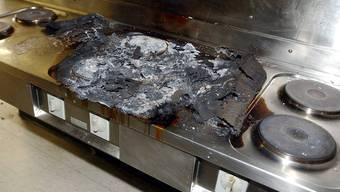 Die Küche geriet in Brand, Ursache ist noch unklar. (Symbolbild)
