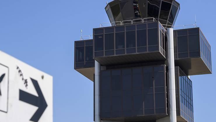 Keine streikenden Fluglotsen: Die Gewerkschaft Skycontrol hat ihren für 23. Juli geplanten Streik abgeblasen. (Themenbald)