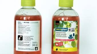 Diese Musterflaschen des Abwaschmittels hat Coop am Mittwoch verteilt. Das Unternehmen warnt, Kinder könnten es trinken.