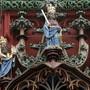 Zum Jahreswechsel treten neue Gesetze in kraft: Justitia an der Fassade des Rathauses Basel.