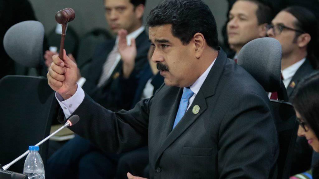 Stabilisierung des Ölmarktes: Venezuelas Präsident Nicolas Maduro an einem Treffen der nicht in der Opec organisierten Ölproduzenten.