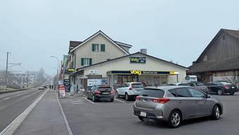 Selbst an normalen Wochentagen ist beim Volg-Laden in Beinwil am See ein Kommen und Gehen.